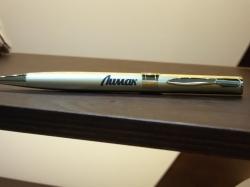 Гравировка названия организации на ручке