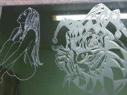 Гравировка на зеркале